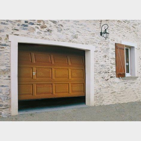 porte de garage sectionnelle décor bois batiman