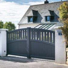 portail battant aluminium noto