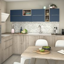 cuisine contemporaine décor chêne authentique blanchi et indigo verni mat
