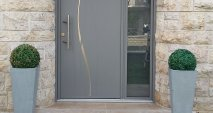 Porte d'entrée en aluminium style design